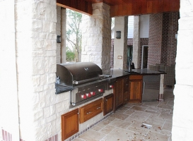 Woodlands Outdoor Kitchens