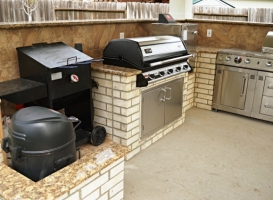 Outdoor Kitchens Woodlands